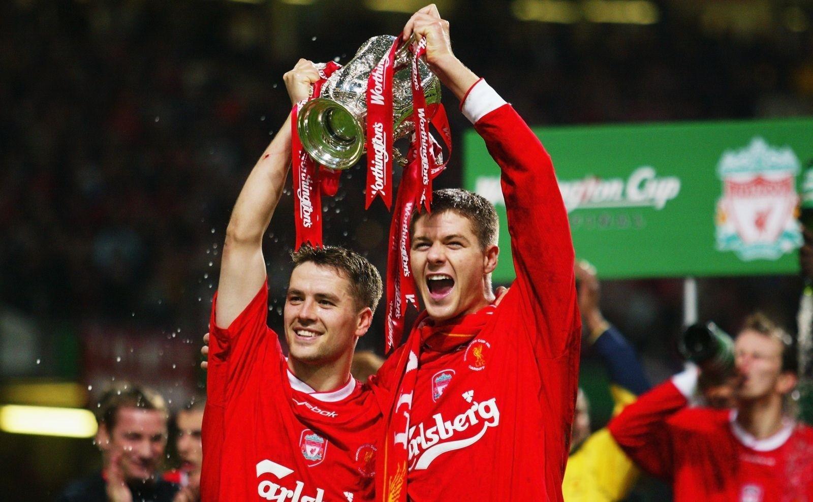 嘉士伯1992-2010长达18年利物浦胸前广告赞助